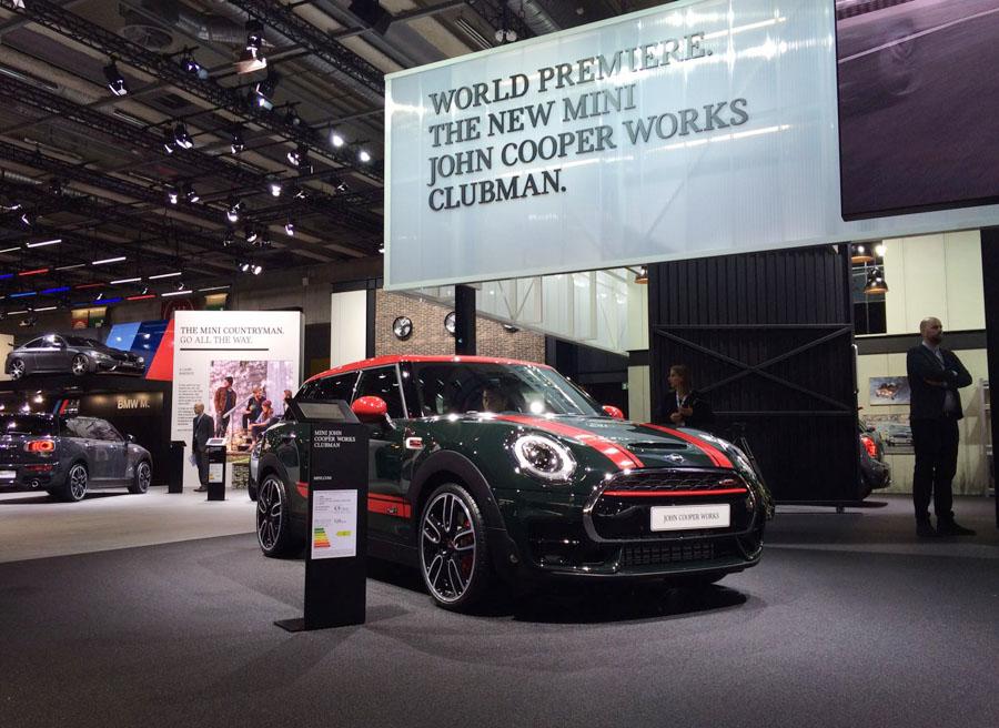 Este nuevo Mini Clubman John Cooper Works cuenta con entradas de aire más grandes y taloneras específicas entre otros detalles.