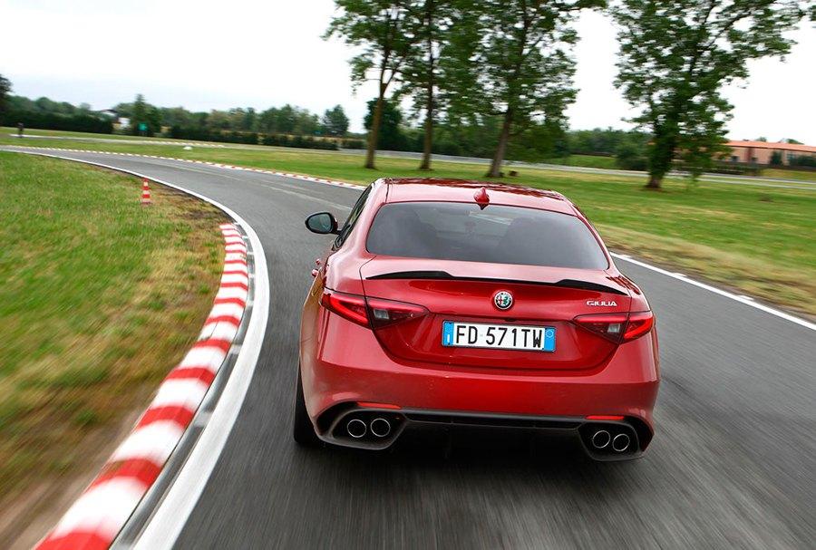 Nuevo Alfa Romeo Giulia Q con cambio automático de 8 marchas