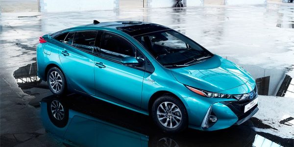 El nuevo Toyota Prius híbrido enchufable en París 2016