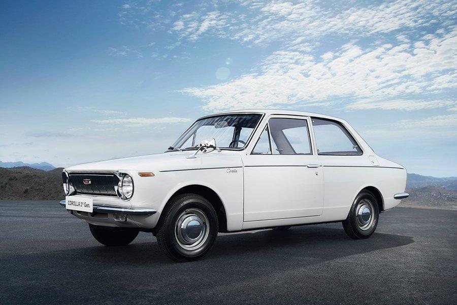 Primer Toyota Corolla