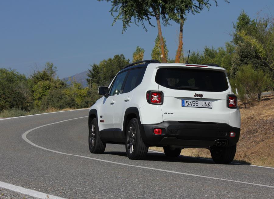 La suspensión independiente a las 4 ruedas le aporta estabilidad y agilidad en carretera.