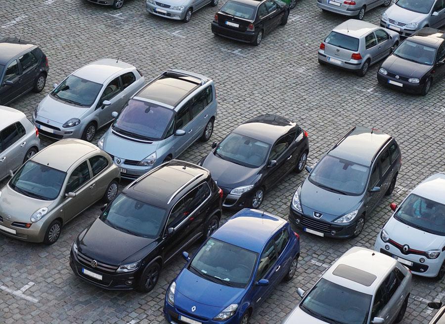 """Si vas a dejar tu vehículo sin mover durante más de un año, lo más recomendable es dejar el coche """"hibernado""""."""