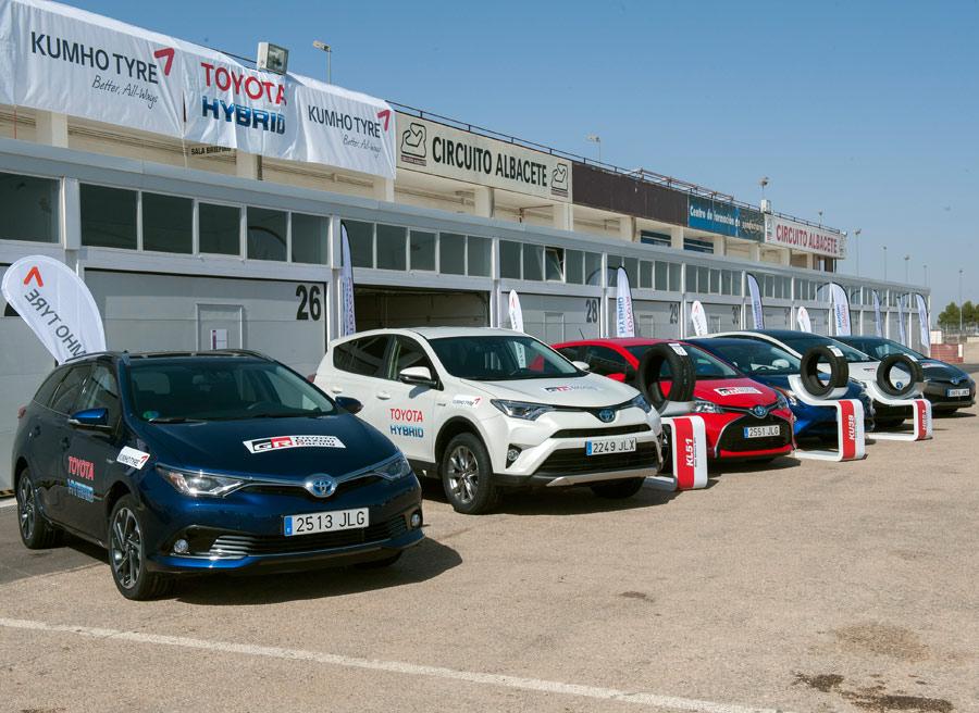 """En el """"paddock"""" del circuito de Albacete Kumho tuvo su representación."""