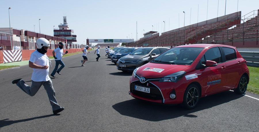 "Carrera de resistencia de coches híbridos, Toyota ""Híbridos"" 24 horas"