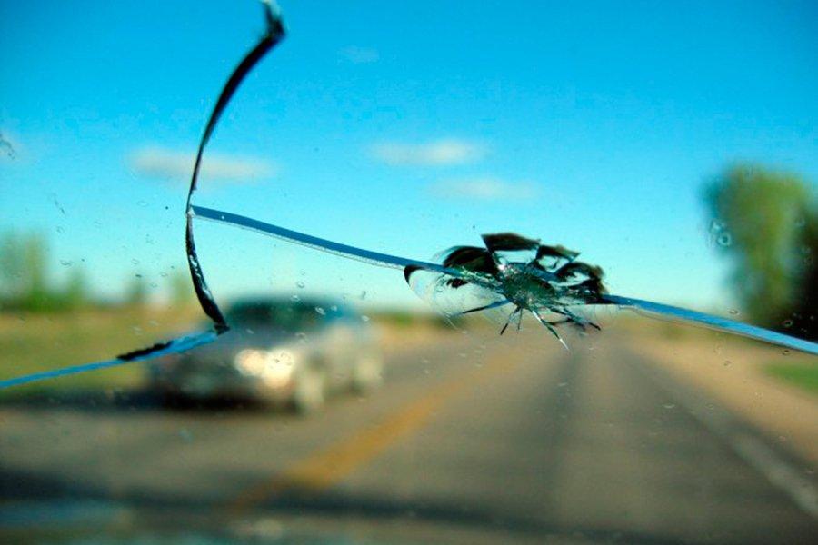 Cuándo debo cambiar o reparar el parabrisas del coche