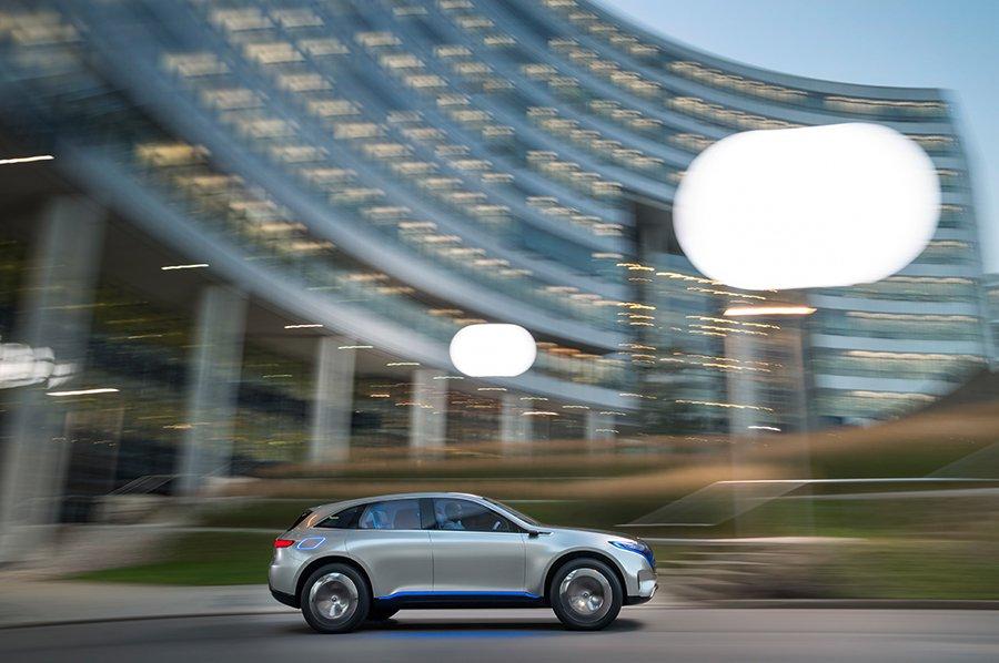 El futuro se llama Mercedes EQ 4