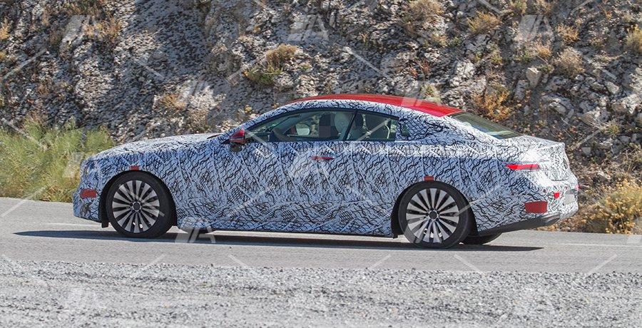 Fotos espía del nuevo Mercedes Clase E Coupé 2017