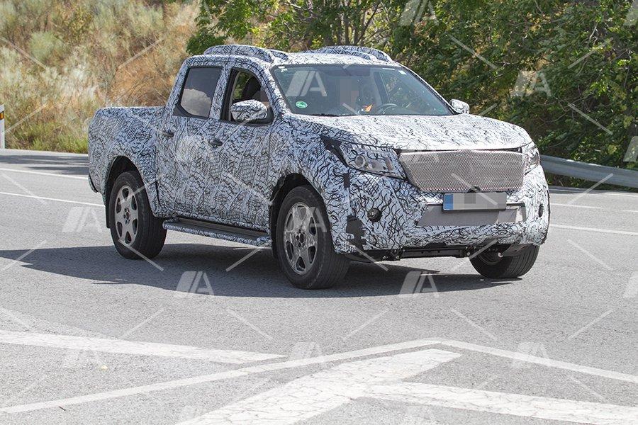 Nuevas fotos y vídeo espía del nuevo Mercedes Pick Up
