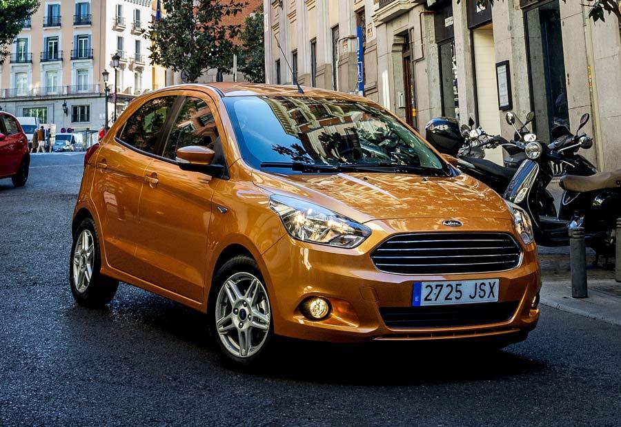 Está disponible con dos opciones mecánicas, ambas de gasolina y con 70 y 85 CV.