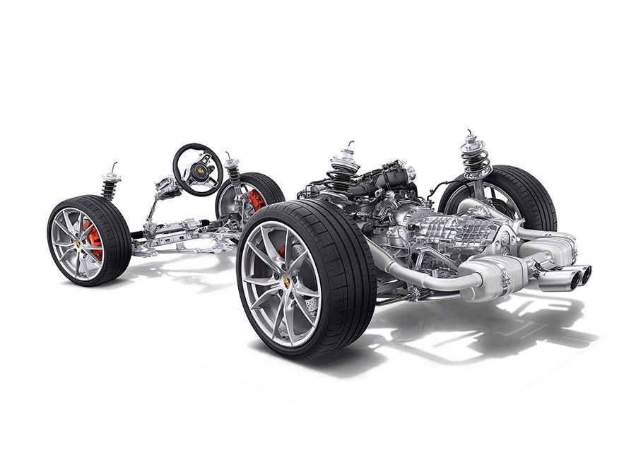 Los nuevos motores de 4 cilindros sobrealimentados son claramente mejores que los anteriores 6 cilindros atmosféricos.