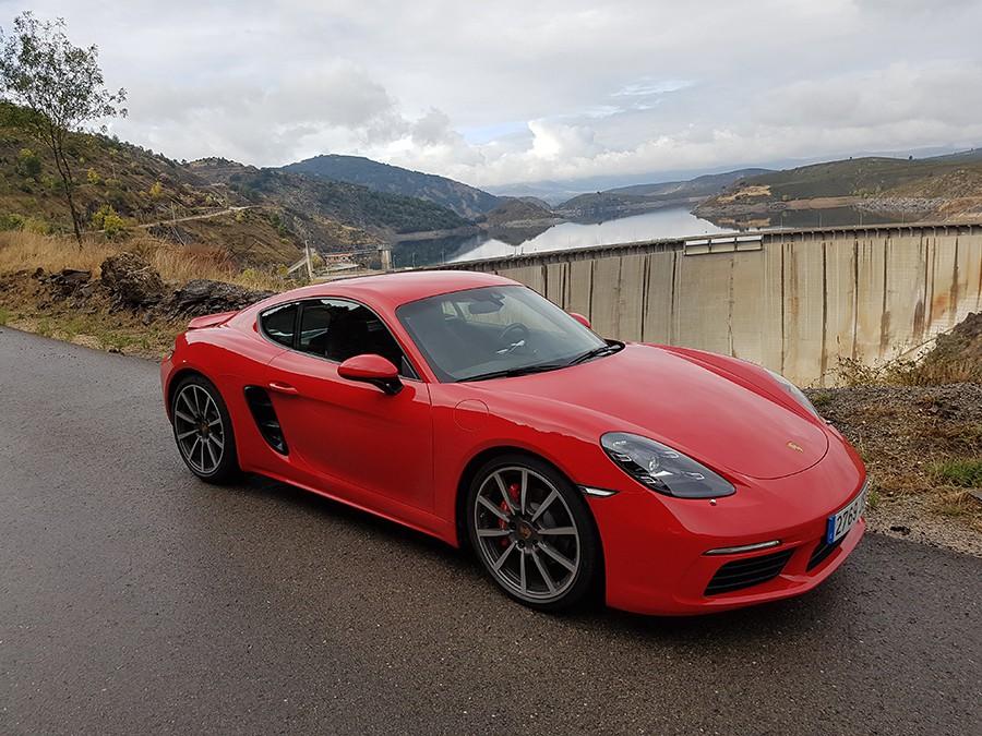 Presentación y prueba del Porsche 718 Cayman 2017