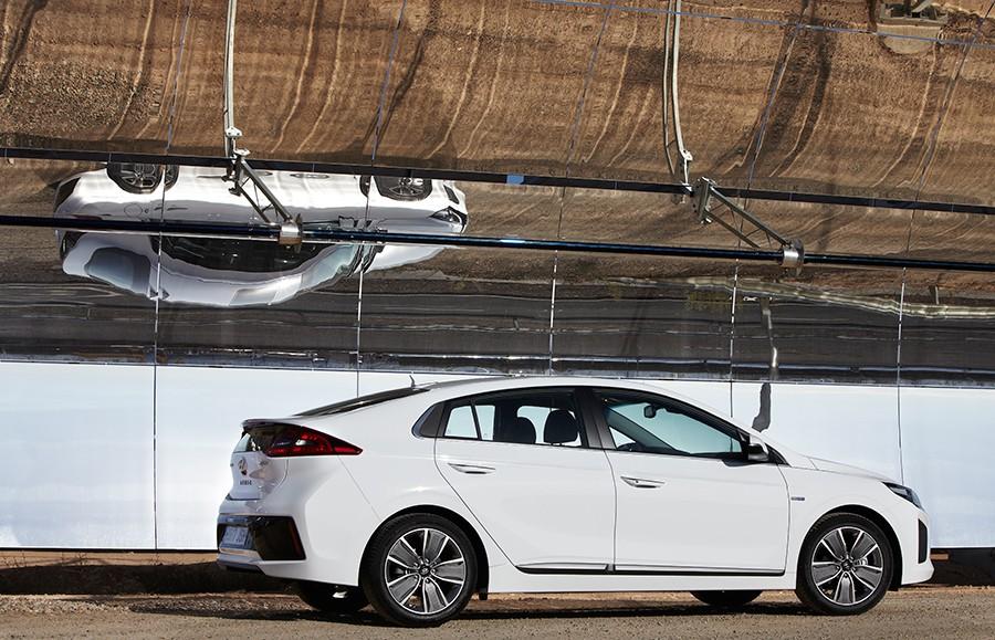 Presentación y prueba del nuevo Hyundai Ioniq 2016 2