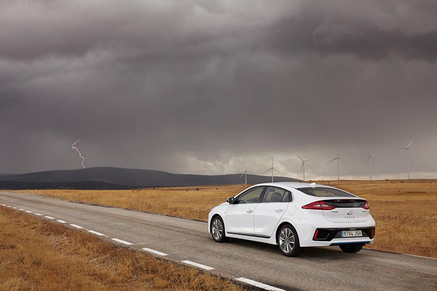 Presentación y prueba del nuevo Hyundai Ioniq 2016 8