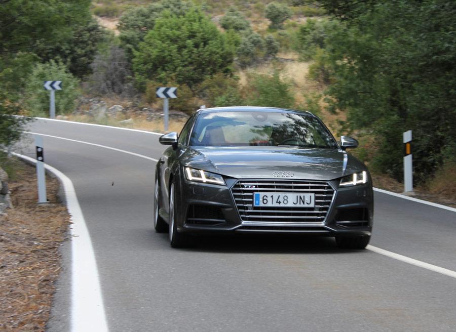 Las prestaciones del Audi TTS son elevadas, como indican los 250 km/h de velocidad máxima autolimitada.