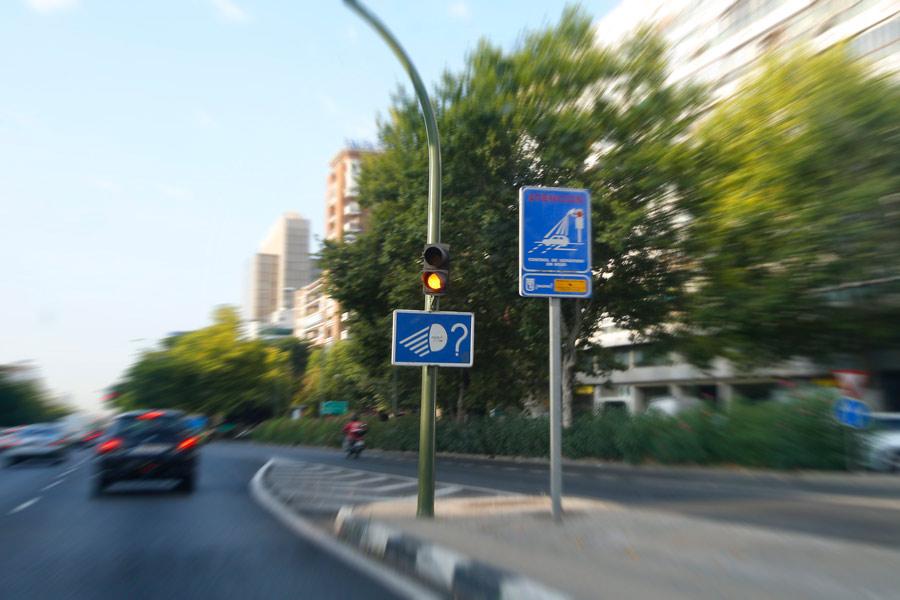 Los 25 semáforos foto-rojo que más multan en Madrid