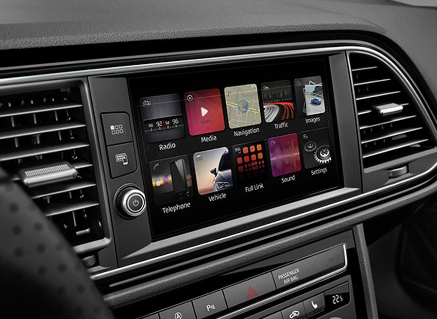 En el interior del nuevo Seat León encontramos una nueva pantalla táctil de 8 pulgadas.