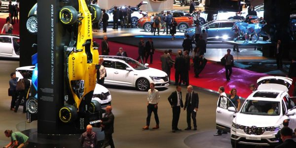 Todos los vídeos del Salón del Automóvil de París 2016