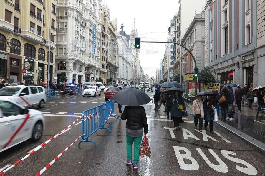 La Gran Vía madrileña, durante el cierre al tráfico en el centro de la ciudad en Navidad de 2016.
