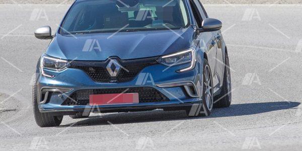Fotos y vídeo espía del nuevo Renault Mégane R.S. 2017