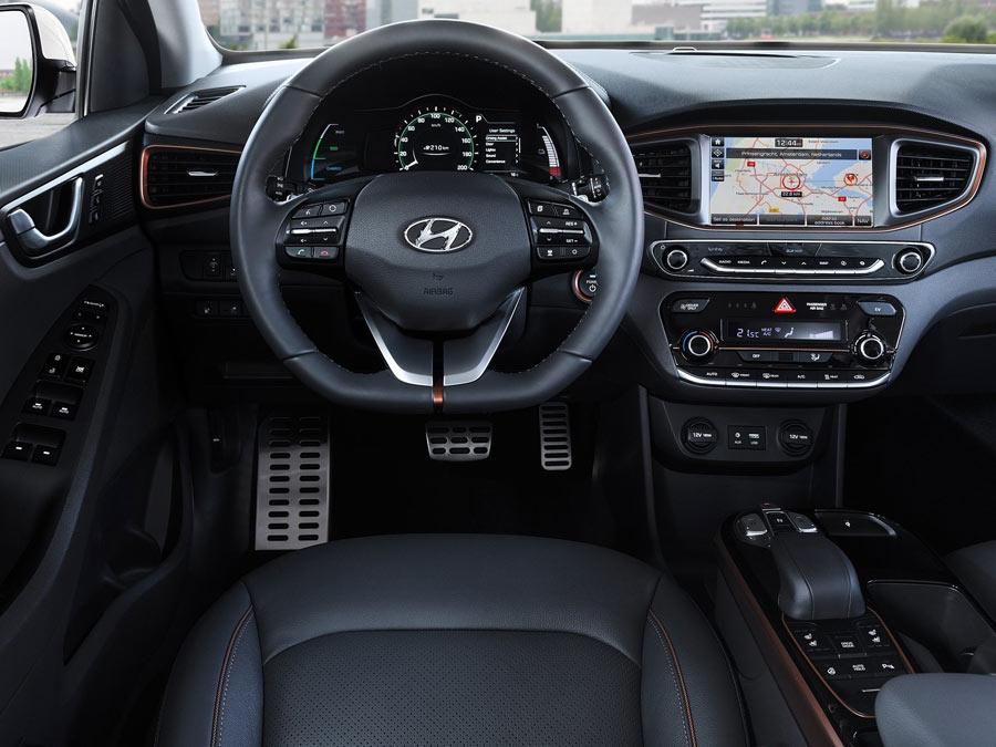 Hyundai-Ioniq-2017-1600-59