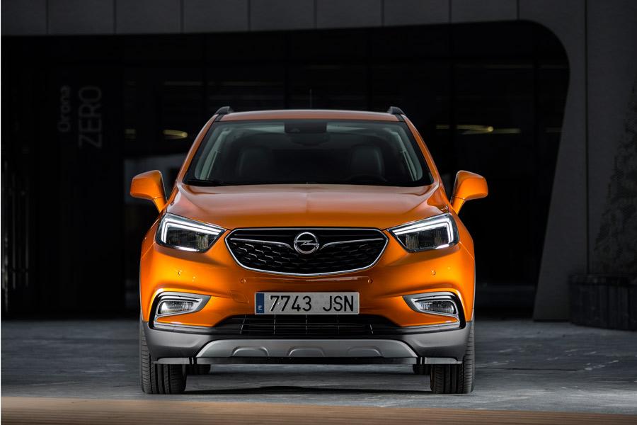 El forntal es la parte que más cambios ha recibido en el rediseño del Opel Mokka.
