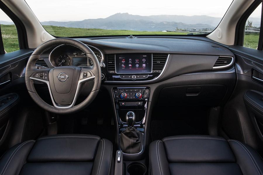 La firma alemana ha mejorado los puntos débiles del interior del Opel Mokka X.