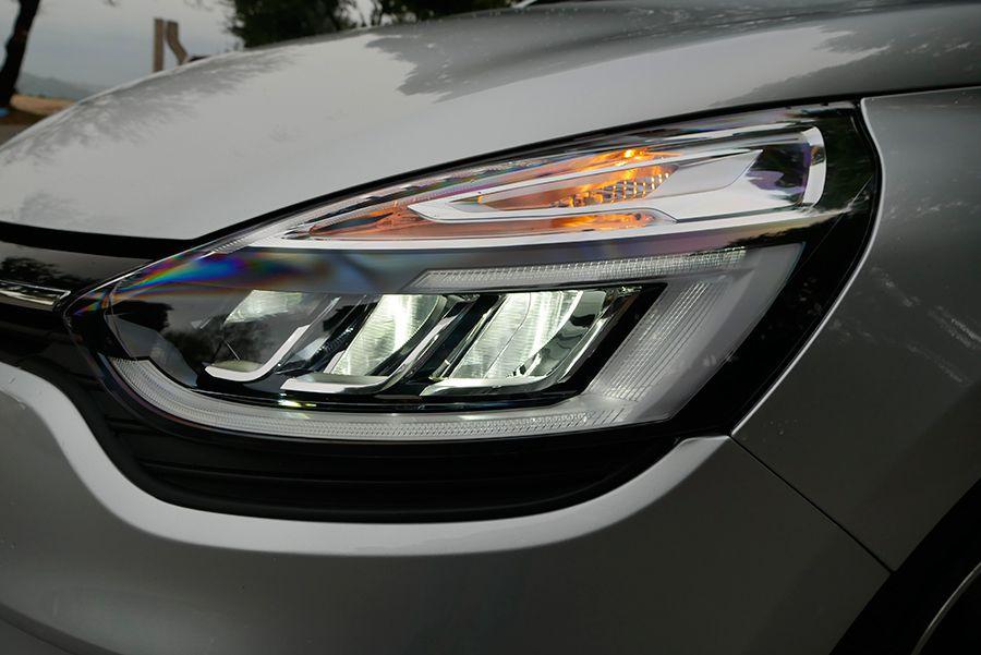 Los faros LED tienen una luz realmente buena.