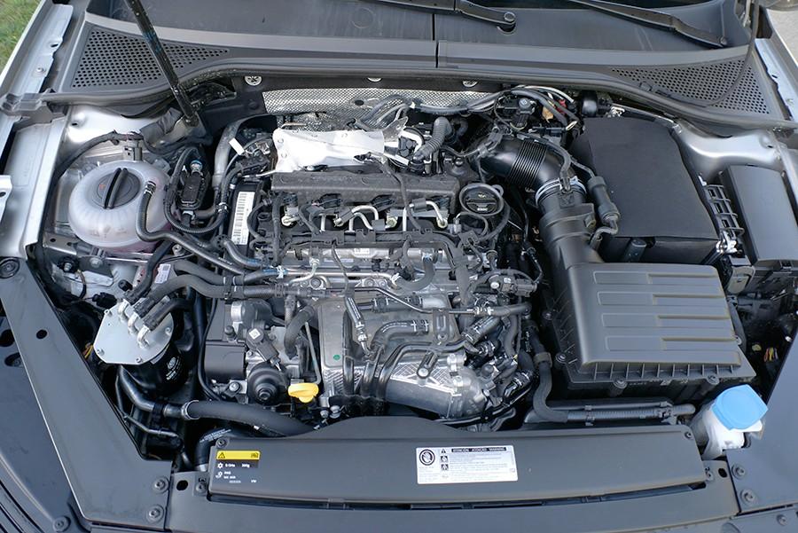 El motor de 190 CV tiene una respuesta lineal y suave.