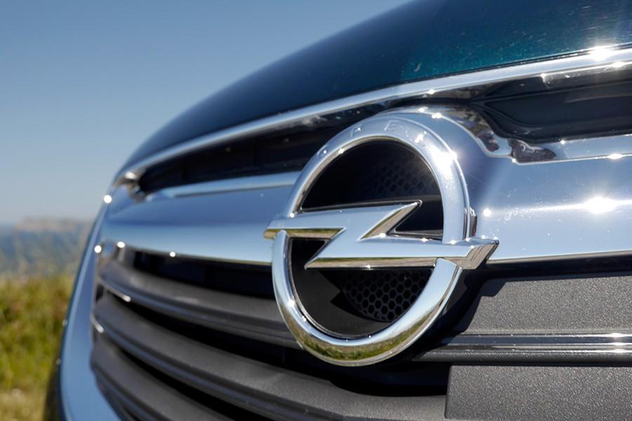 Qué significa el logo de Opel