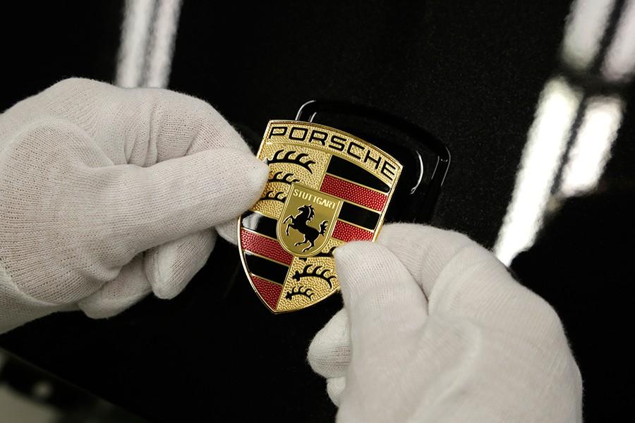 Qué significa el logo de Porsche