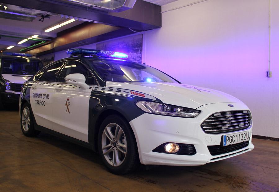 Así son los coches de la Guardia Civil de Tráfico
