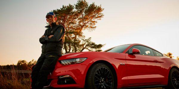 Un sueco de 97 años se compra su segundo Mustang