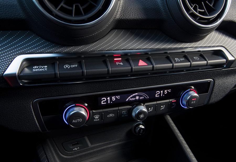 Según el acabado elegido, podemos tener climatizador bi-zona en el nuevo Audi Q2.