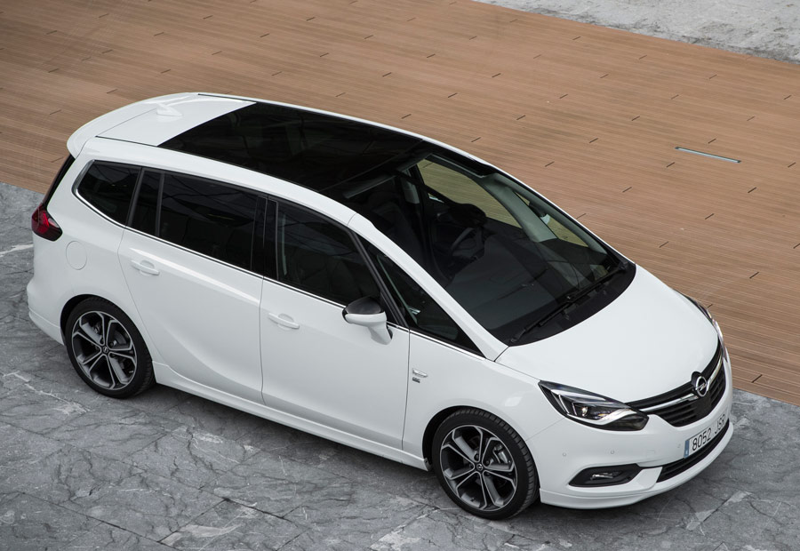 Una ventaja diferencial del Opel Zafira es su parabrisas panorámico.