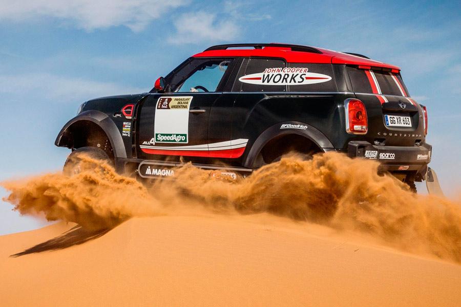 Mini Countryman JCW con el que Hirvonen y Al-Rahji competirán en el Dakar 2017.