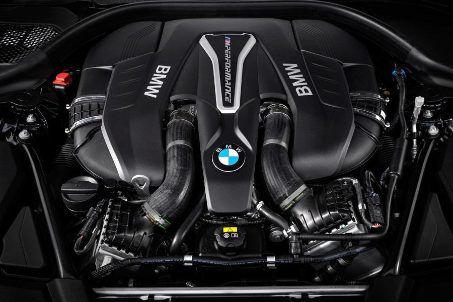 Este motor V8 entrega 462 CV y es capaz de alcanzar los 100 km/h en tan solo 4,0 segundos.