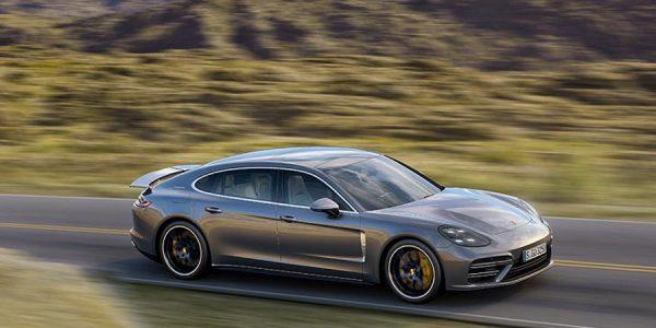 El Porsche Panamera se corona como coche del año en Internet