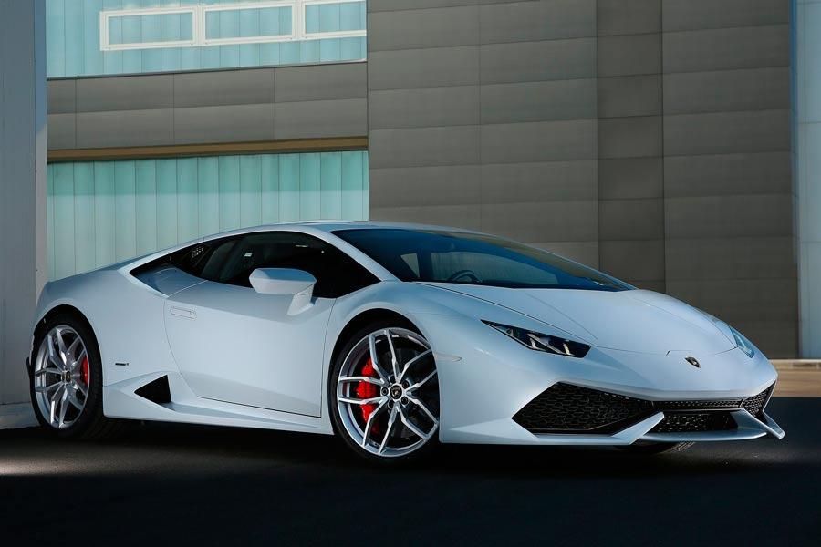5-coches-que-puedes-comprarte-si-te-toca-la-Lotería-de-Navidad-(34)