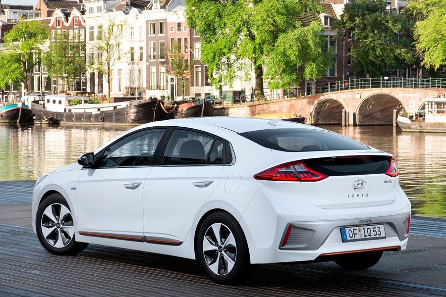 Hyundai-Ioniq-2017-1600-1f