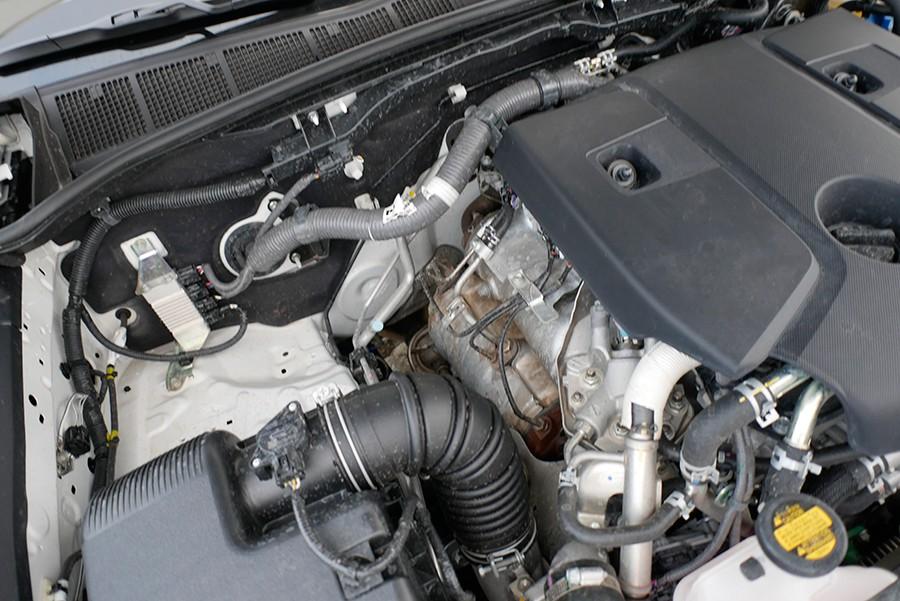 El motor es accesible y como una roca.