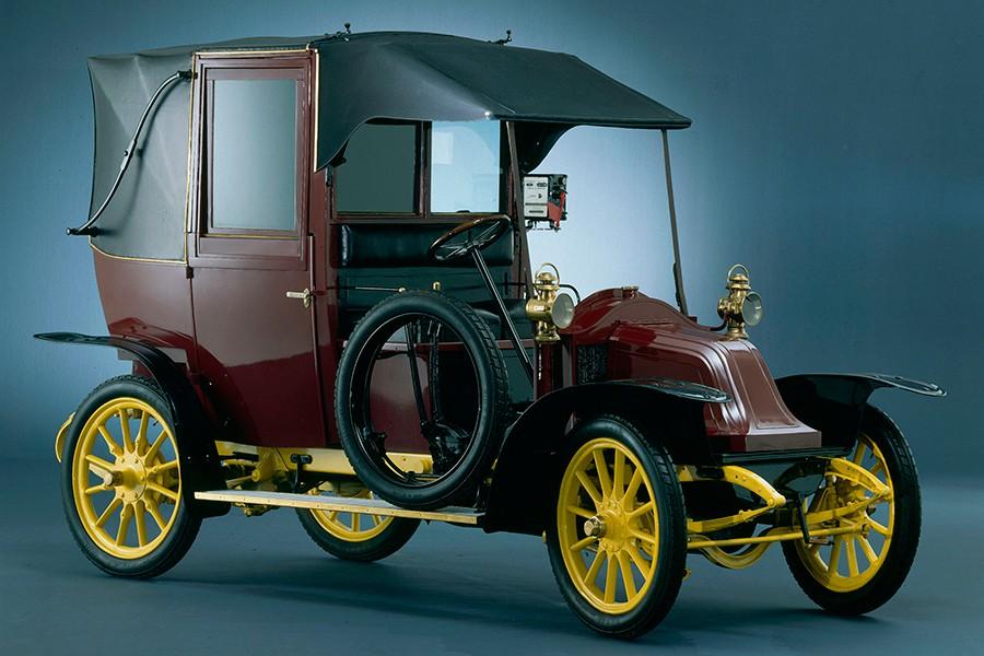 La mayoría de los taxis parisinos protagonistas en la Primera Guerra Mundial eran como éste.