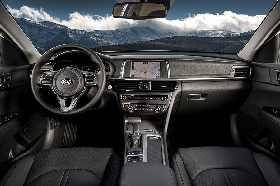 El interior del Kia Optima destaca por su amplitud.