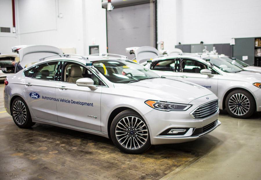 Ford espera triplicar la flota y legar a 90 coches. En 2021 espera tener listo su coche autónomo para su uso.