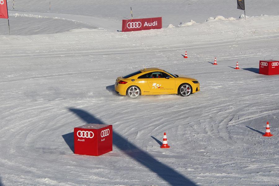 Audi te enseña a conducir sobre hielo y nieve: vence a los elementos