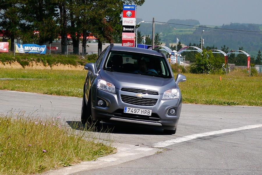 Los cambios bruscos de trayectoria pueden ser problemáticos de solucionar en un SUV debido a su alto centro de gravedad.
