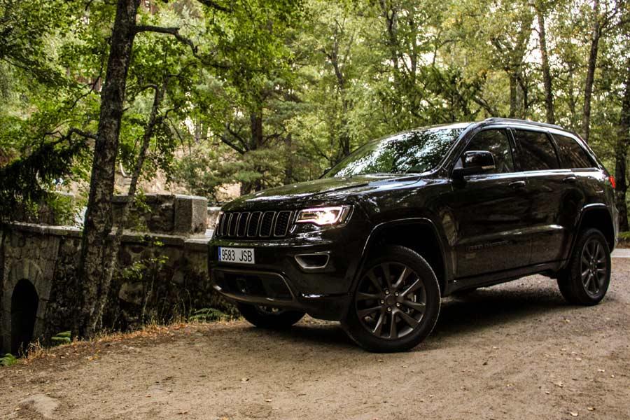En ciudad, el consumo del Jeep Grand Cherokee no baja de los 10 l/100 km.
