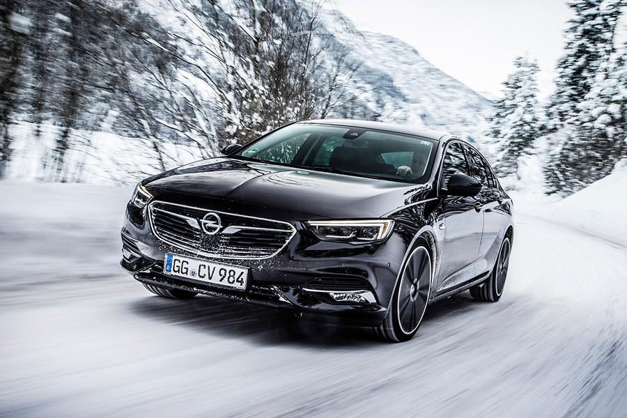 Nuevo Opel Insignia con tracción total y diferencial vectorial