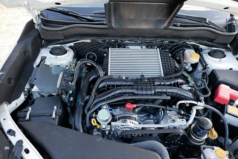 El motor turbo de 240 CV y el cambio CVT son un prodigio.
