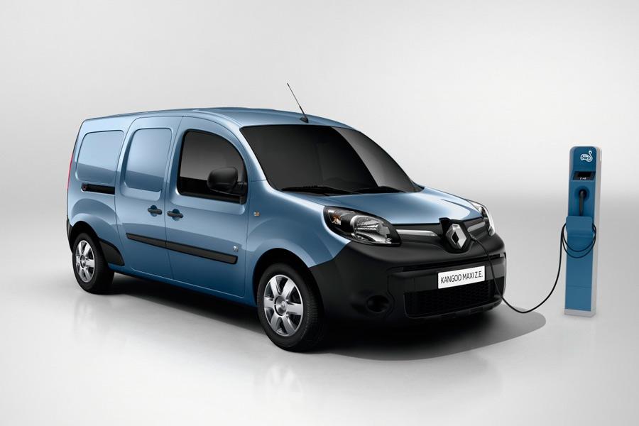 Renault Kangoo ZE y Master ZE, la marca francesa electrifica su gama comercial