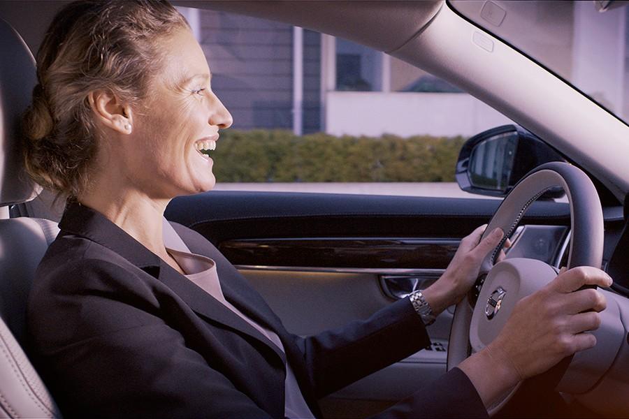 Volvo S90 con Skype para vídeo conferencias